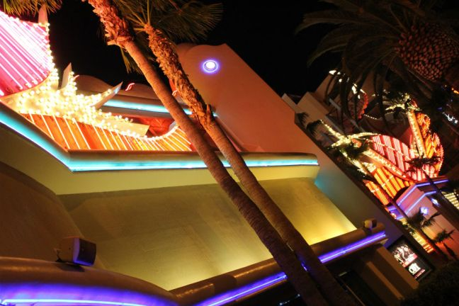 Vegas 9